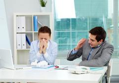 ОРВИ и ОРЗ: признаки, симптомы, лечение, чем отличаются?