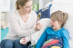 влажный кашель у детей и взрослых,мокрый кашель,влажный кашель у ребенка чем лечить,влажный кашель у ребенка,мокрый кашель у ребенка,мокрый кашель у ребенка чем лечить,чем лечить влажный кашель,чем лечить мокрый кашель,лекарство от мокрого кашля,средство от влажного кашля